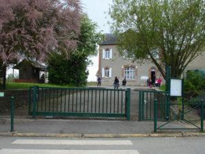 Cour d'école à Aubinges
