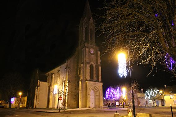 Eglise_nuit_Vasselay